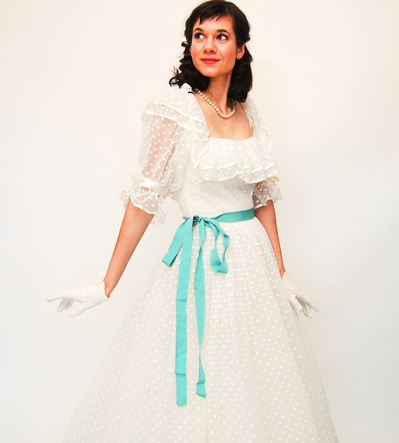 sale - Vintage 1970s Wedding Dress - 70s Wedding Gown - 70s does 50s Style - Bright White Polka Dot