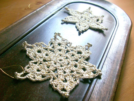 Lace Snowflake Ornament Set,Christmas tree,Lace Crochet Snowflakes, rustic Christmas decoration ornament.by Arzu