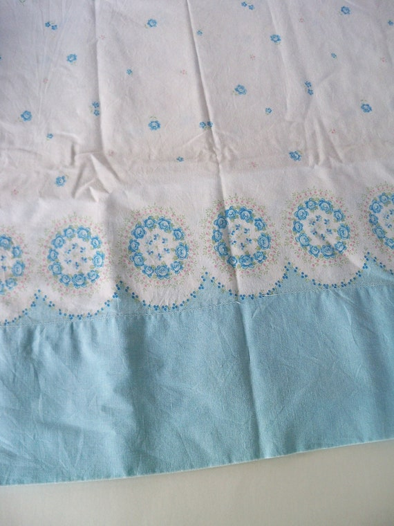 Vintage Border print Pillowcase-Dainty Floral Wreaths