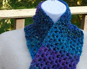 open weave scarf, shortie scarf, neck warmer