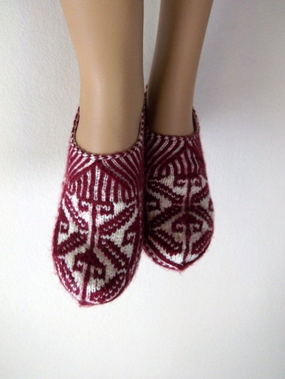 Claret red and cream Home Slippers-Hand knit women house slipper-Traditional Turkish Design-womens crochet shoe-Your choice of color