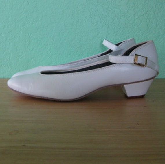 80s shoes - white mary jane dance shoes - size 8.5