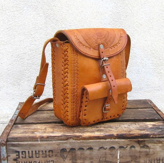 Vintage Rugged Tooled Tan Leather Whip Stitch Camera Bag Style