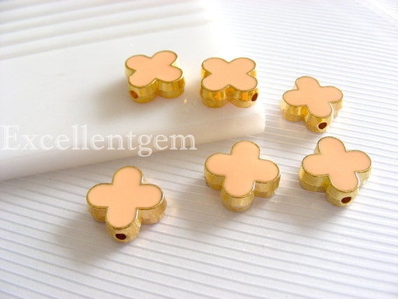 Metal beads, Gold plated Double-sided Metal Clover, bracelet connector beads, flower beads, skin pink color- 15mm