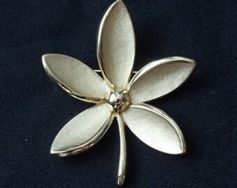 Large Vintage Trifari Goldtone Flower