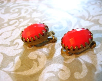 Vintage Retro Clip Orange Red Faceted Stone Earrings