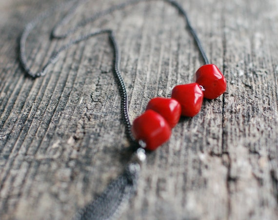 SALE 10% OFF Charming chain necklace with red coral beads