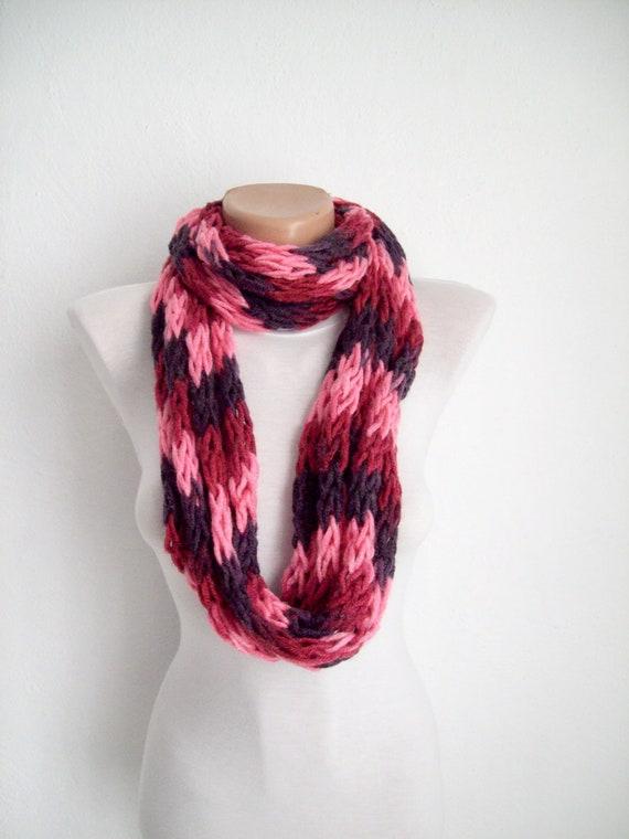 finger knitting scarf pink purple burgundy multicolor