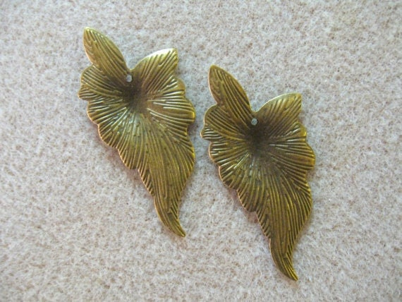 Antiqued Brass Leaf  Finding Beads Pendant Focal (2)