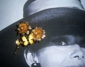 Flower Brooch With Butterfly Trembler