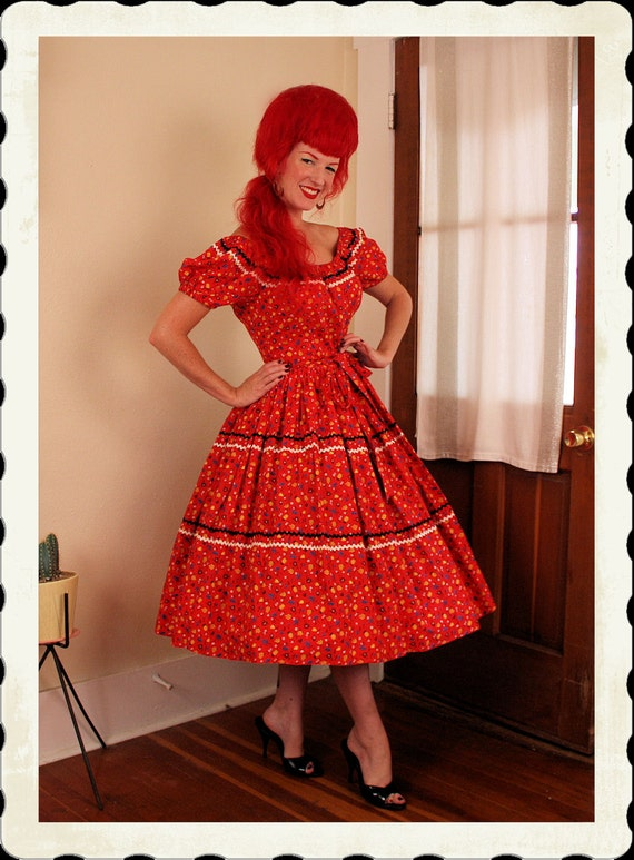 ADORABLE 1950's New Look Novelty Print Cotton Peasant Style Dress w/ Rick Rack Trim - Tiny Fruit Print - On / Off Shoulders - VLV - Size L