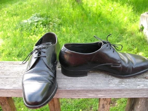 Unisex Classic Hipster Boho Madmen Preppy Punk Goth Grunge  Florsheim Black Leather Tie Oxfords Size 7 Men  Size 9 Women