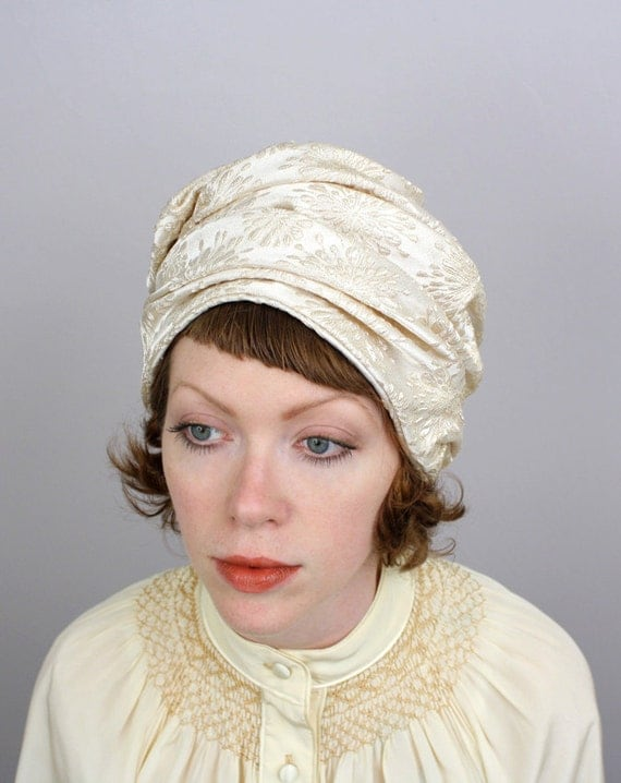 vintage 1960s hat / brocade turban hat / sculpted ivory and gold / Lucila Mendez