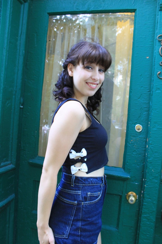 Shirt Tank Top Cropped CUT OUT BOWS 1990s 90s Vintage 1980s 80s Black Polka Dots S M