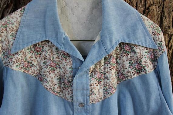 Men's VINTAGE 1970s WESTERN shirt - floral yoke - snap button