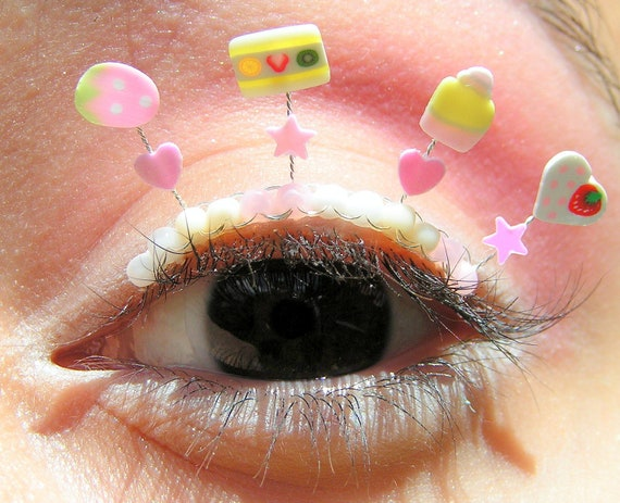 Berry Candy Eyelash Jewelry - false eyelashes with white chocolate and strawberry sweets