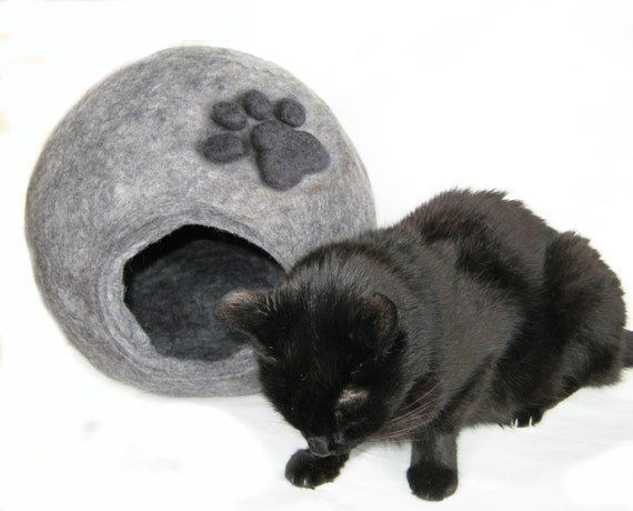 Felted XXL Cat Bed - Cat Furniture - Cat House - Wool Beds - Animal Bedding - Cat Cave - Pet Bed - Modern Igloo - Nap Cocoon - Pet Supplies