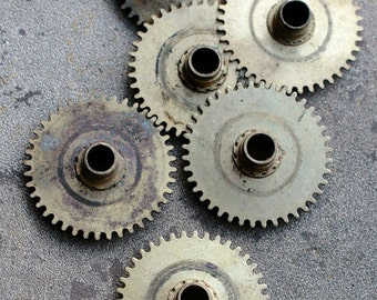 Vintage clock brass gears -- set of 6 -- D15