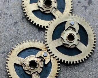 Vintage clock brass gears -- set of 3 -- D16