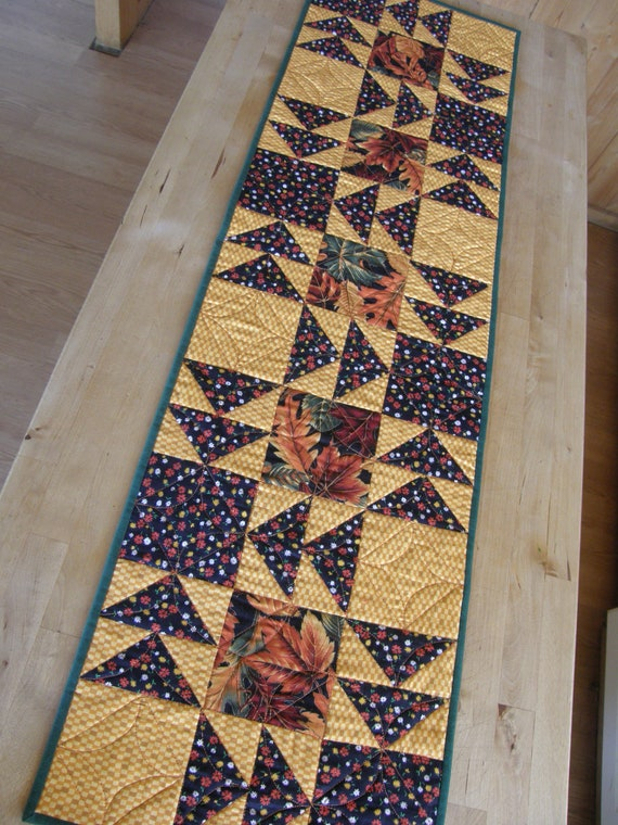 Thanksgiving Table Runner - Flying Geese and Falling Leaves