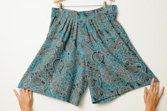 Vintage 70s/80s Plus Size Handmade Boho Dark Aztec Tribal Design Shorts