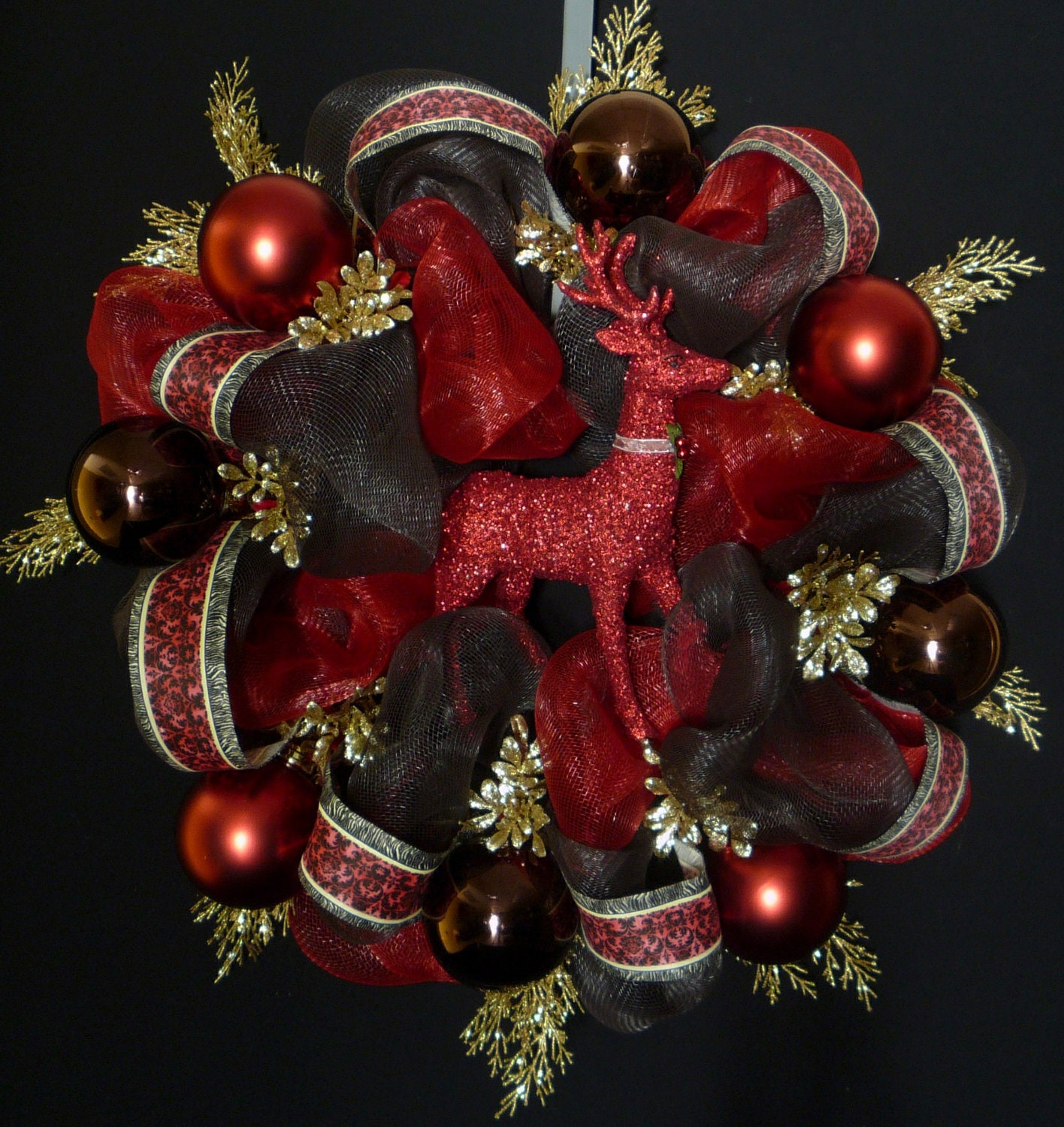 Magnificent Christmas Wreath Red Brown Gold Poly Mesh Wreath By Door Handles Collection Olytizonderlifede