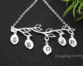Five Initial Family Necklace, Personalized Mother Necklace, Grandmother Necklace, Family Tree Necklace, Christmas Gift Ideas , Mother in law