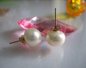 Pearl Earrings - AAA 9.0-9.5mm White Freshwater Pearl Earrings with 14K Yellow Gold Posts - Free shipping