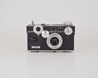 Argus Range Finder 35mm Camera - The Brick