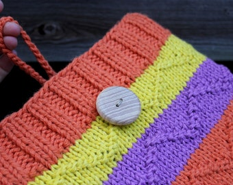 Laptop sleeve for 13 inch Macbook/ knited/ handmade wooden button