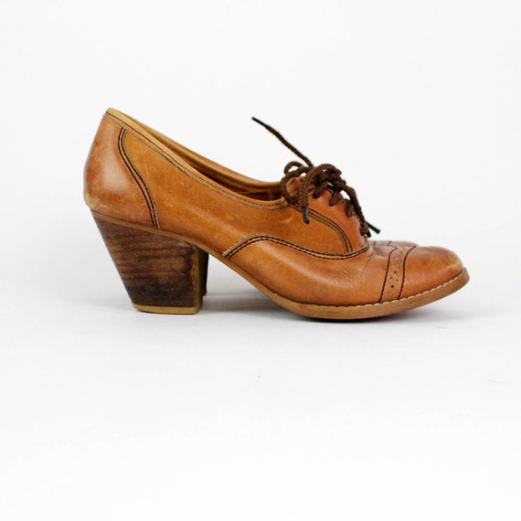 spectator oxford heels 7 / 1970s chestnut leather lace up