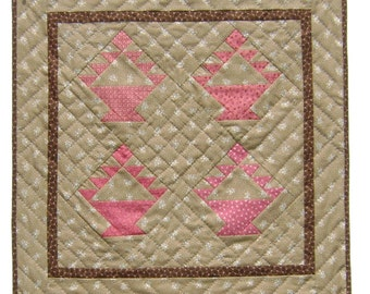 Fruit Basket Quilt - Reproduction fabrics, traditional style quilt