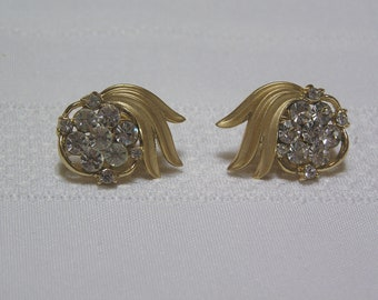 Vintage Crown Trifari Rhinestone and gold tone flourish Wedding Clip earrings