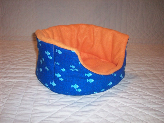 Someything's Fishy Oval Cuddle Cup for Guinea Pig Hedgehog Rat Small Animals