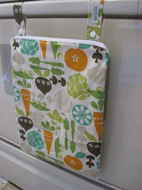Hanging WetBag / Kitchen Catch-all with Convertible Straps by Seweco in Vegetable Garden