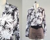 Vintage 70s blouse BALCK & WHITE chrysanthemum floral print boho top - M/L