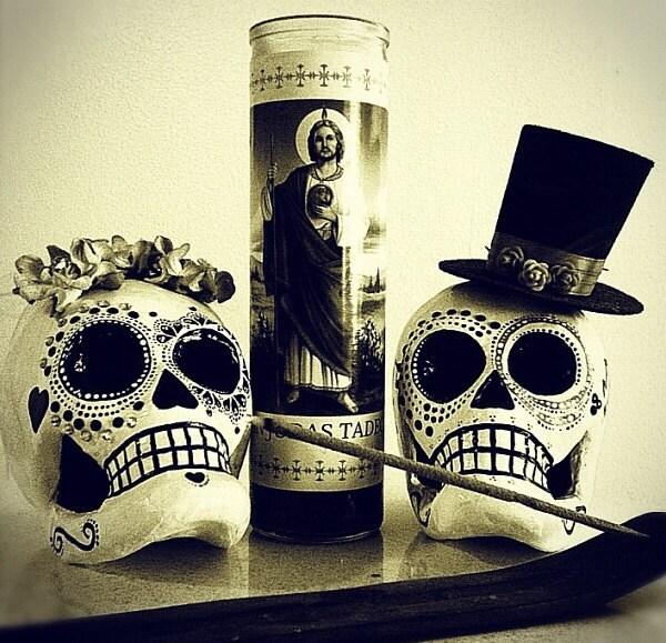 Dia de los muertos sugar skull wedding for Sugar skull wedding dress