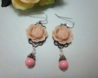 Pale Pink Roses Earrings. Silver Tone. Gift for her. Birthday, Bridesmaid, Christmas, Maid of Honor.