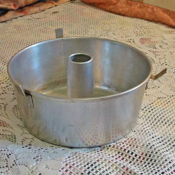 Vintage Wear Ever Tube Pan 2734 Aluminum One Piece Baking