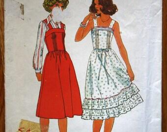 Simplicity 8015 Misses Dress or Jumper Vintage Sewing Pattern