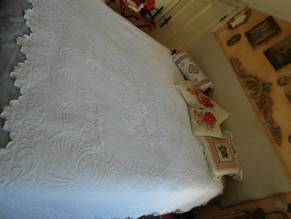 Antique FRENCH  BEDSPREAD White PIQUE de Marseille scalloped embroideries & fringes