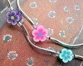 Multicoloured flower beaded twisty necklace