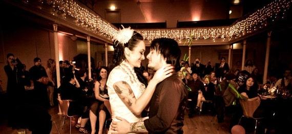 Fascinator, Wedding Fascinator, Rhinestone Bridal Ivory Feather Fascinator, Rhinestone Hair Clip, Bridal Fascinator, Wedding Veil