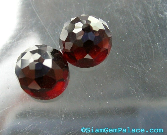 GARNET. Micro Facet Top Cabochon. Beautiful Rich Red. HiGH DoME Round. Big SizE. 2 pc. 8.38 cts. 8mm (GA129A)