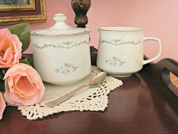 Vintage Petite Bouquet Signature Collection Sugar and Creamer Set with Roses from Japan