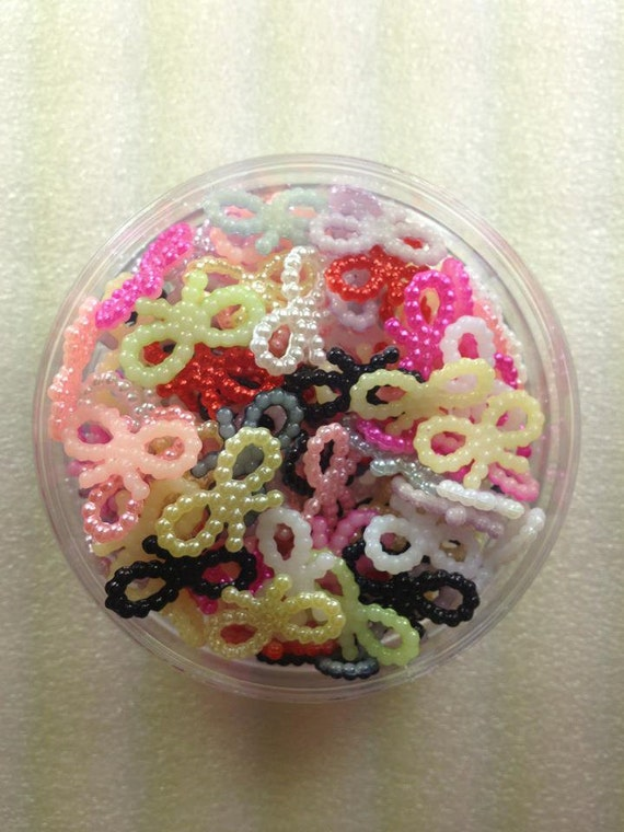 CuTe BoWKnOt Acrylic RiNgS...MuLTiCoLoR...50 PieCeS...UsA SHiPPiNg