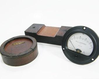 Vintage gauge and wooden molds