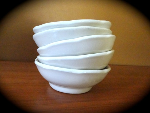 Five Ironstone Hall Bowls // Scalloped Ironstone // Thick and Heavy