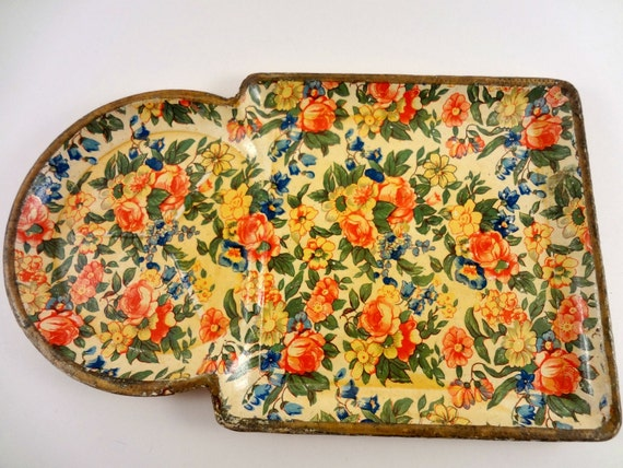 Reserved for Pinkee - Vintage Cottage Chic Tray, Highmount Snack Trays Set of 4