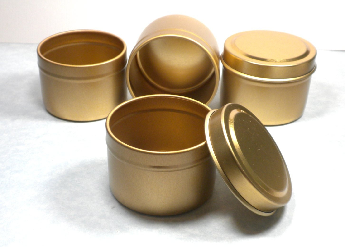 Gold Round Tin With Lid 2 Ounces Circle Seamless And Food